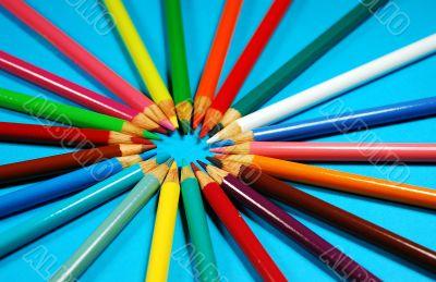 Pencil crayons in circle