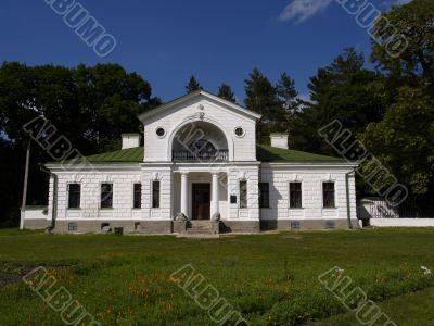 villa in Kashanovka`s park
