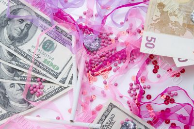 Glamour money