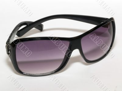 Sunglasses violet