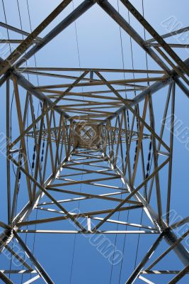 Support of overhead power transmission line