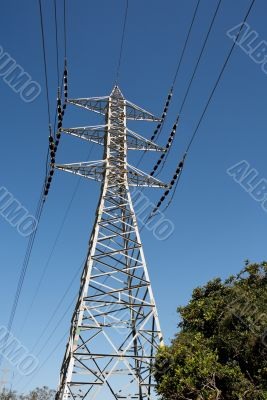Support mast of power transmission line