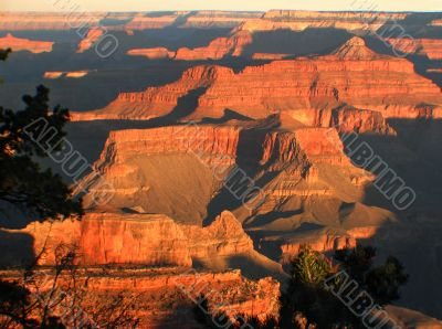 A glorious sunrise at the Grand Canyon.