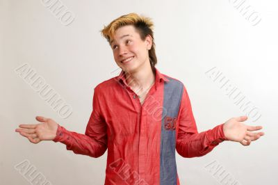 Unsured guy in red shirt dilute hands