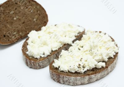 Sandwich with soft cheese