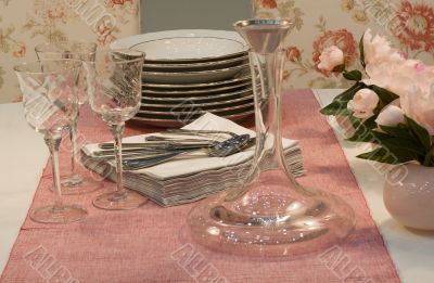 stylish table decoration in pink