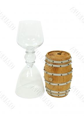 Double glass and oak barrel