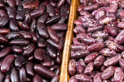 Kidney beans in wooden dish