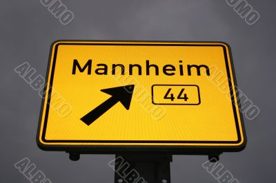 Directional sign to Mannheim