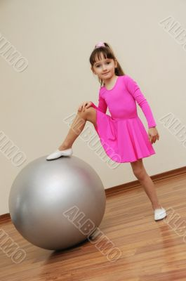 girl play ball