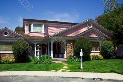 Modern american cottage with garden