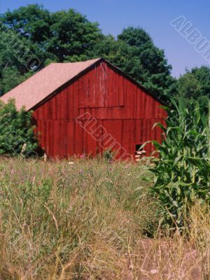 red barn in rural upstate new york