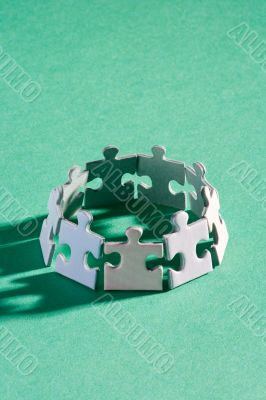 Small puzzle ring