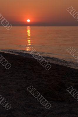 Sun dawn at the seaside