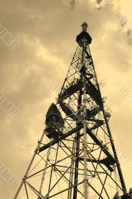 TV receiving-transmitting antenna