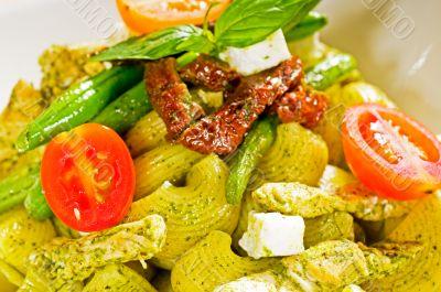 pasta pesto and vegetables