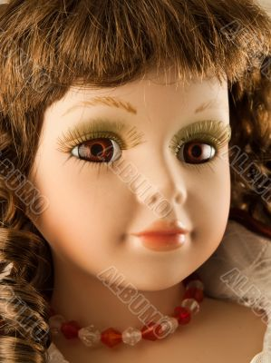 face of old doll