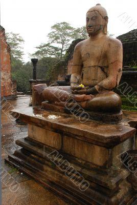 Buddha Image in Vatadage Temple