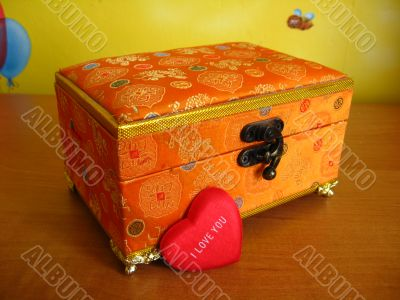 the box-surprise with love