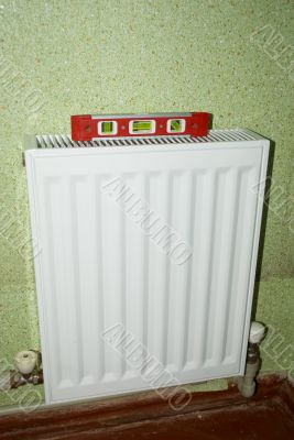 radiator with a red level