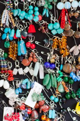 Considerable quantity of jewelry
