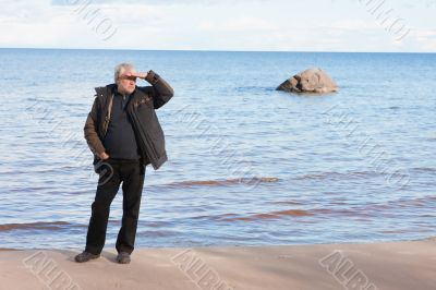 Middle-aged man at the sea.