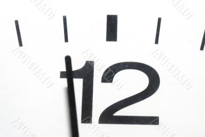 five to twelve clock in horizontal format