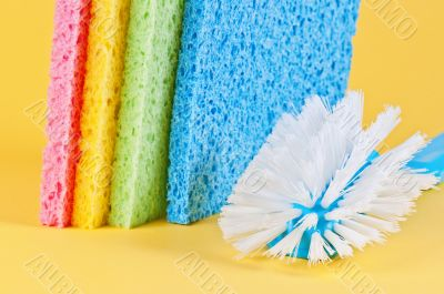 Multi color sponges and brush