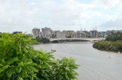 Brisbane city and Captain Cook bridge