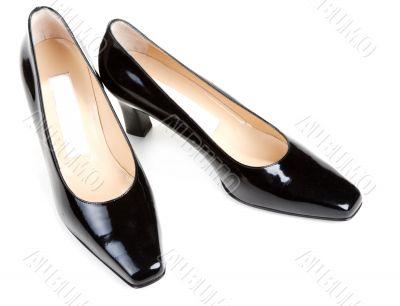 Black feminine varnished loafers