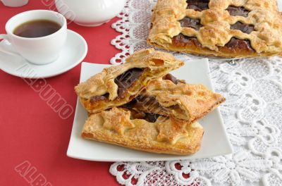 Strudel of apples and jam