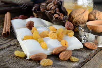 white chocolate with raisins