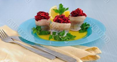 Herring fillet stuffed with beet-apple stuffing