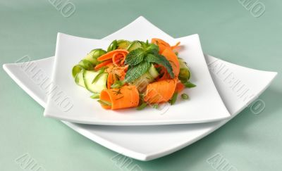 Zucchini salad with carrots