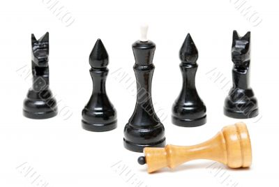 Chess Black defeated the bright king.