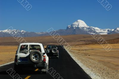 Jeep traveling in Tibet