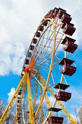 Ferris wheel - vertical view
