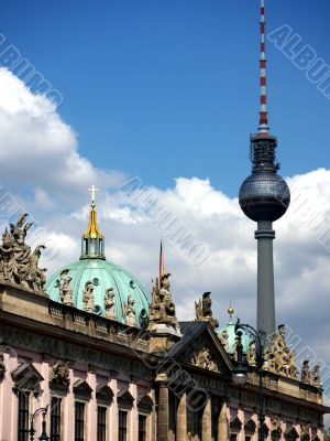 Berlin-arsenal-Dom-TV Tower