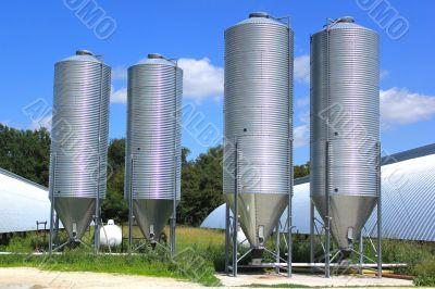 Silot for storing grain