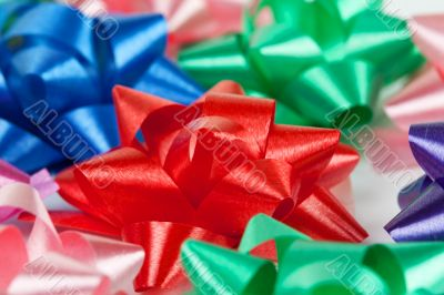 color of gift ribbons