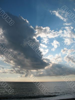 Clouds over the sea horizon