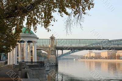 The embankment of the Moskva River in autumn
