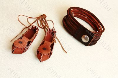 Leather shoes and leather bracelet