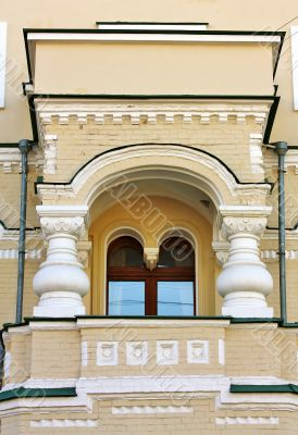 facade of the building with balcony