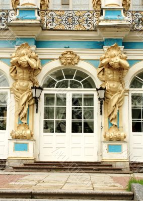 Decorative figures of the baroque palace
