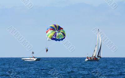 Marine parachute amusement