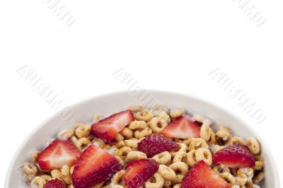 slice strawberries on the cereals
