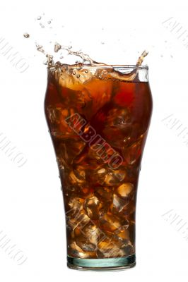 splashing cola drink