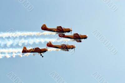 """Aerobatic  group """"First flight"""" in the sky"""