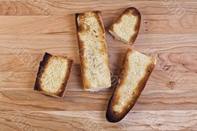 toasted baguette slices